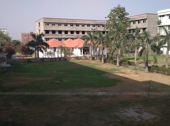 Saroj Institute of Technology and Management Logo