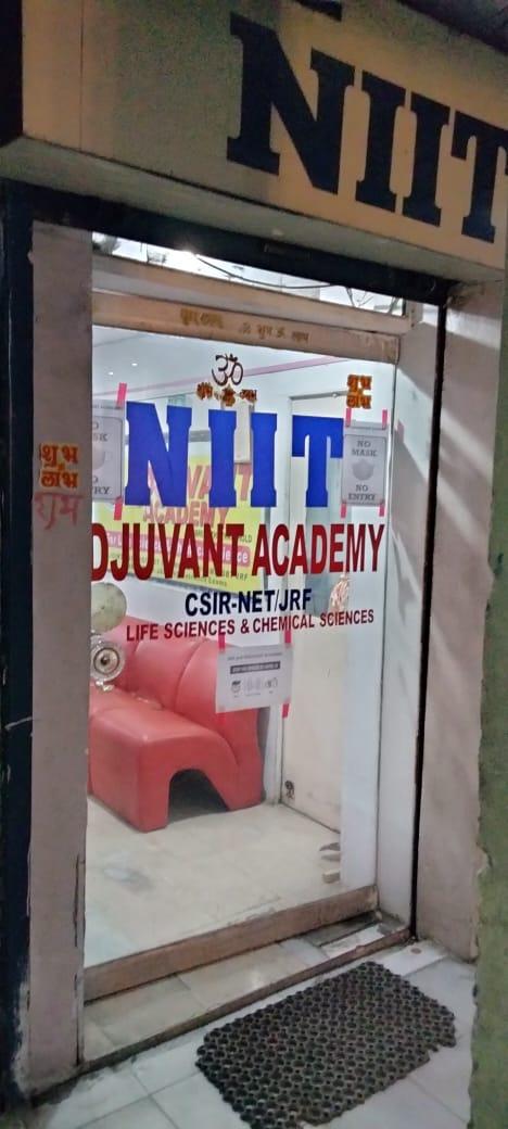 Adjuvant Academy Logo